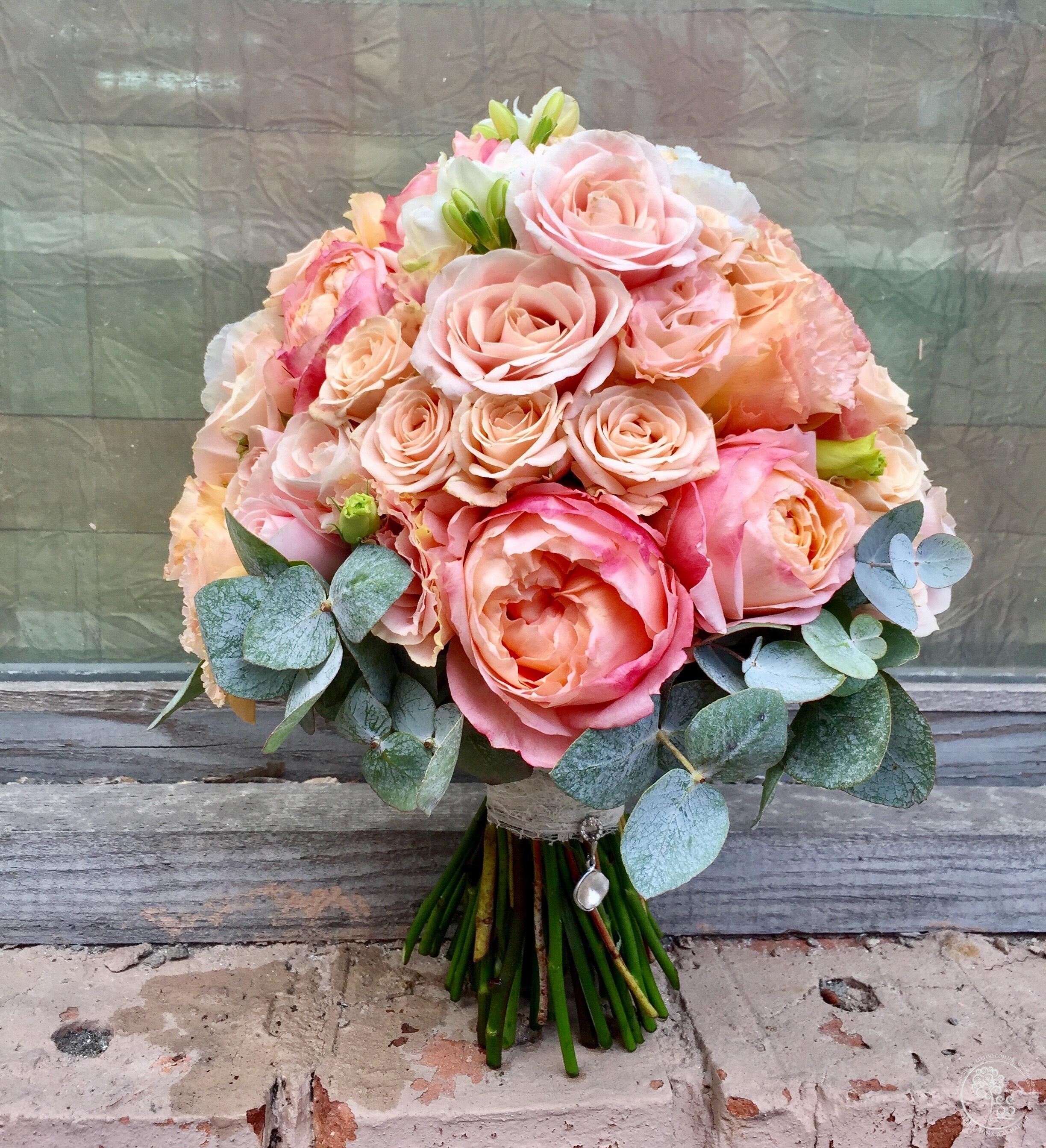 Роза, букеты для невест в караганде