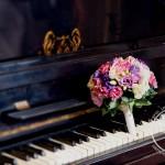 Букет невесты на рояле